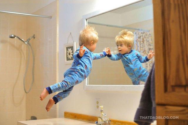 Bebê-com-Síndrome-de-Down-voando-1-720x479