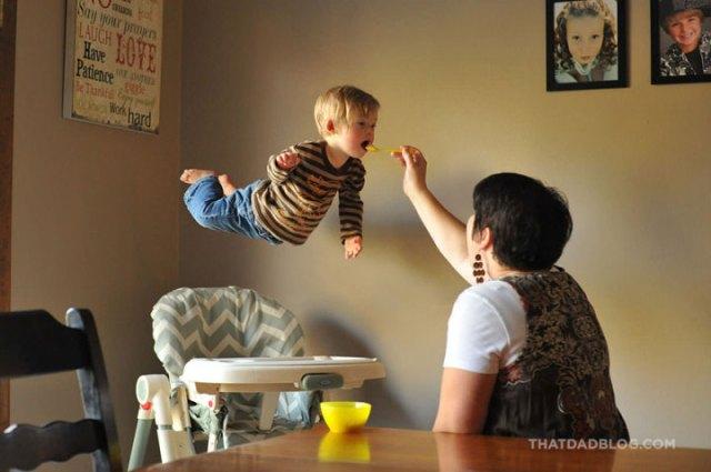 Bebê-com-Síndrome-de-Down-voando-2-720x479