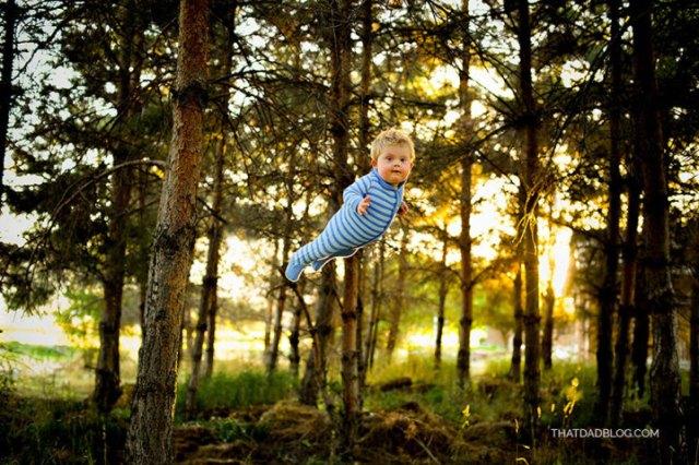 Bebê-com-Síndrome-de-Down-voando-5-719x479